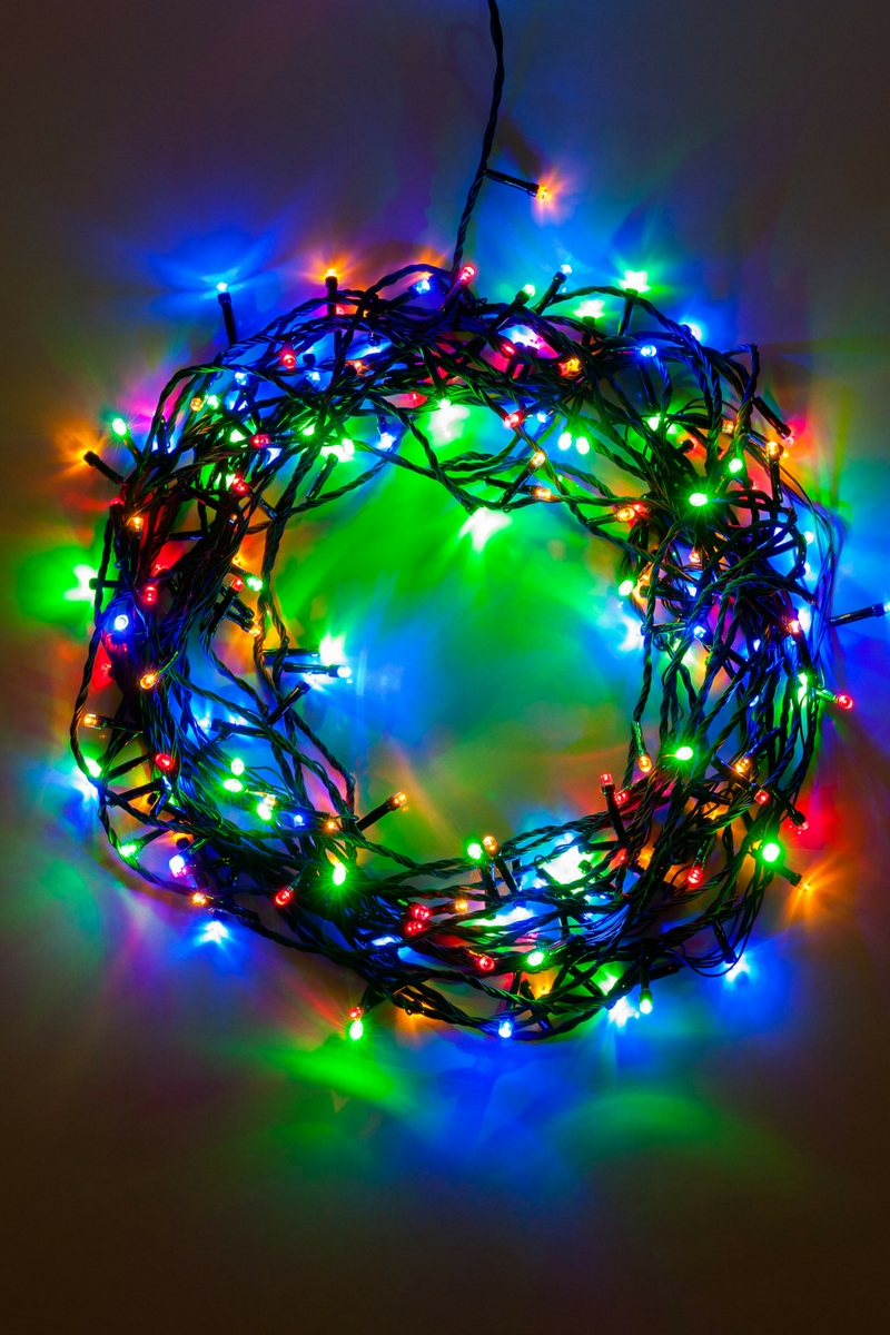 how to hang christmas lights safely tri county windows. Black Bedroom Furniture Sets. Home Design Ideas