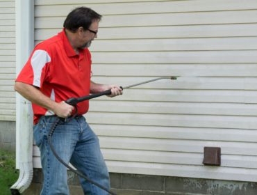 Pro Tips on Cleaning Your Vinyl Siding